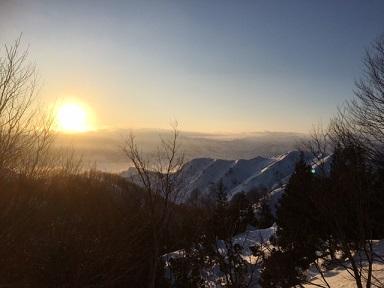 雪の朝陽1