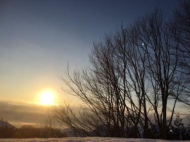 雪の朝陽2