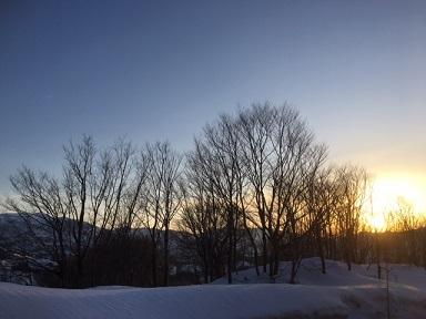 雪の朝陽3